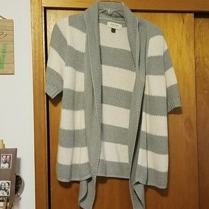 Sonoma short sleeved sweater size small